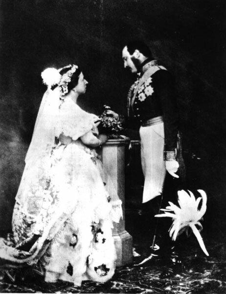 старое фото бракосочетания принца Альберта и королевы Виктории (1840 год)