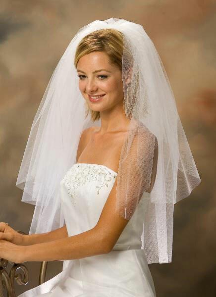 Фото свадебных причесок с фатой 2012. .  Слово невеста всегда.
