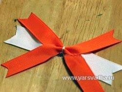 Очень симпатичный бантик для украшения подарка